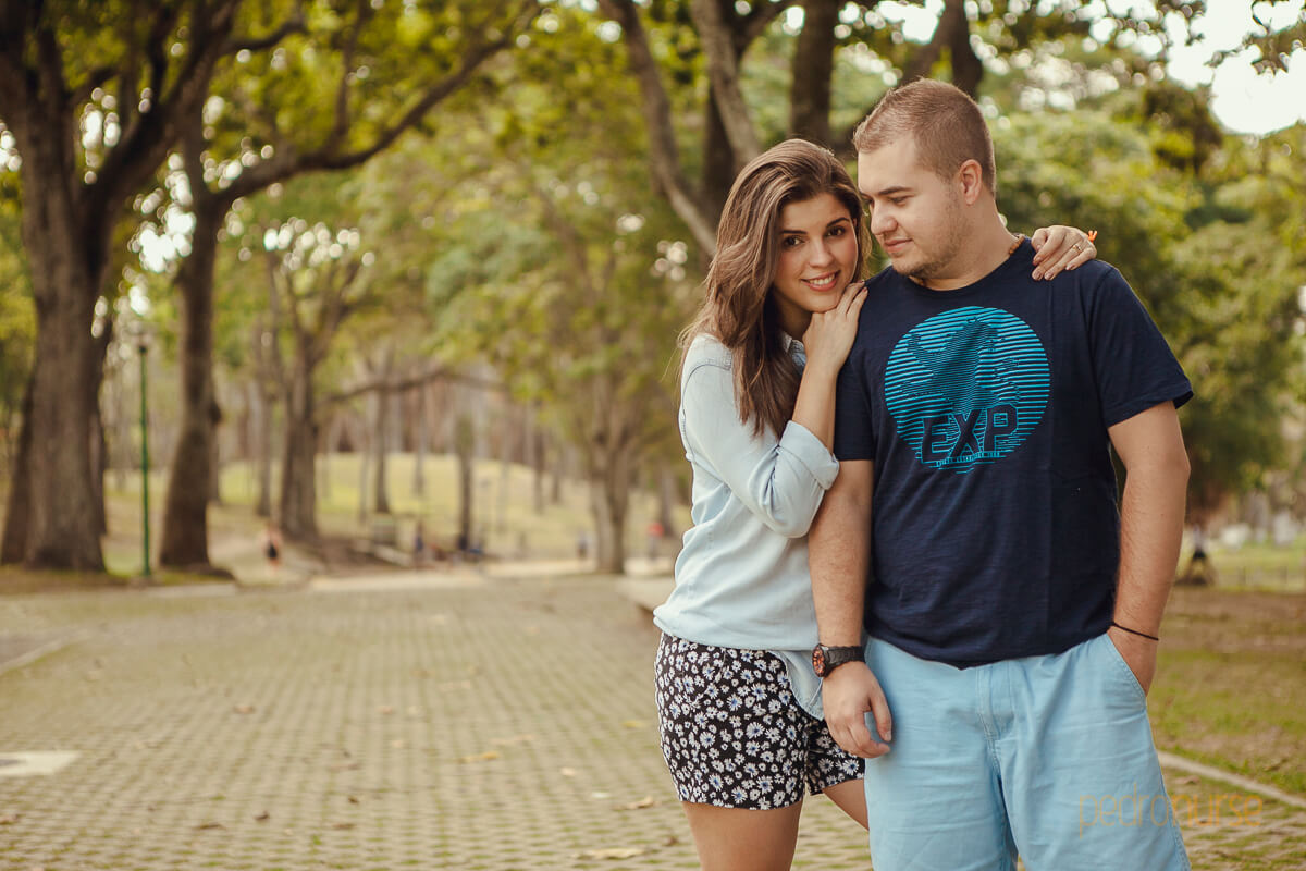 fotos de pareja novios en preboda parque venezuela