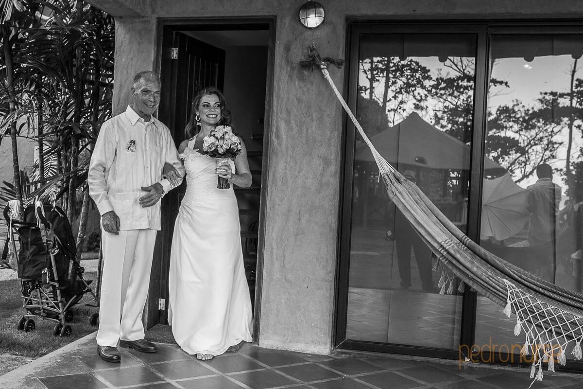 novia en boda posada 7 mares
