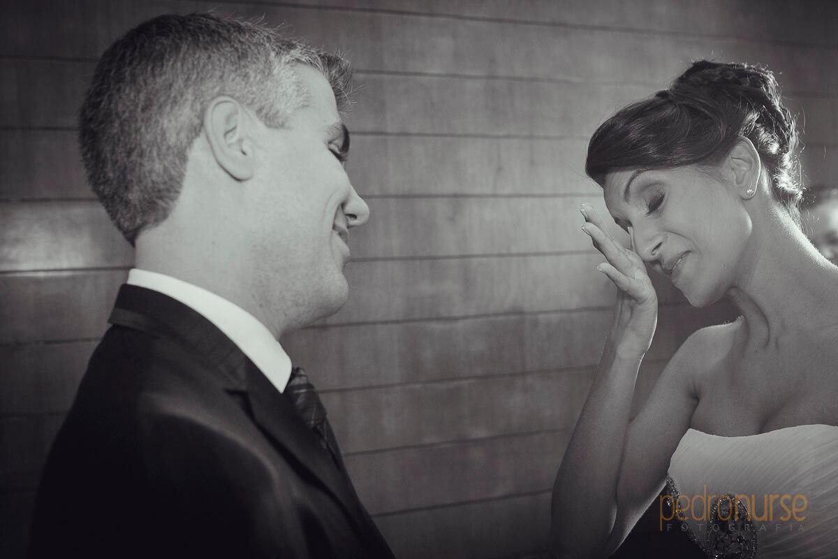 novio novia momento de emocion en boda caracas hotel pestana