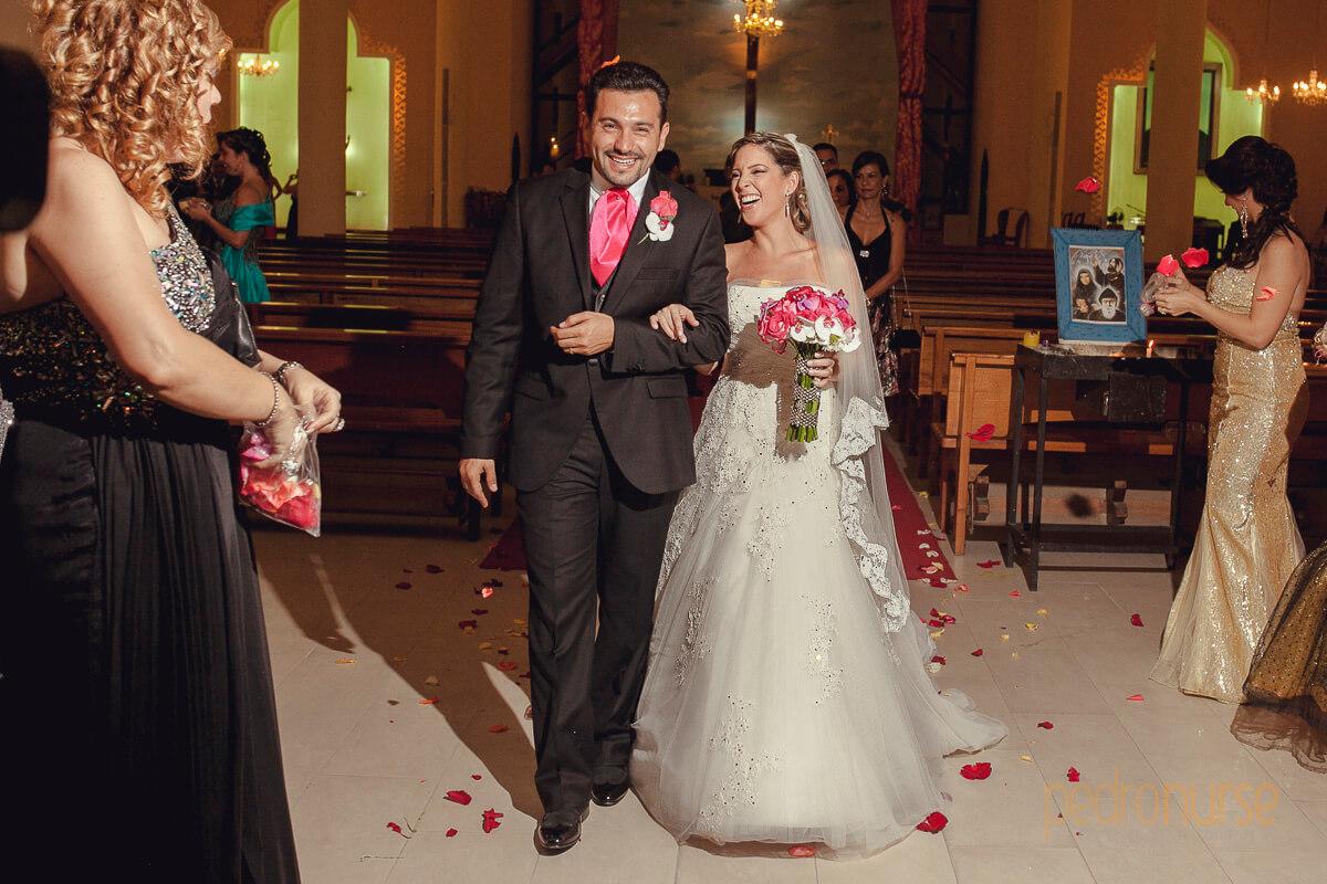 salida novios iglesia san charbel caracas venezuela