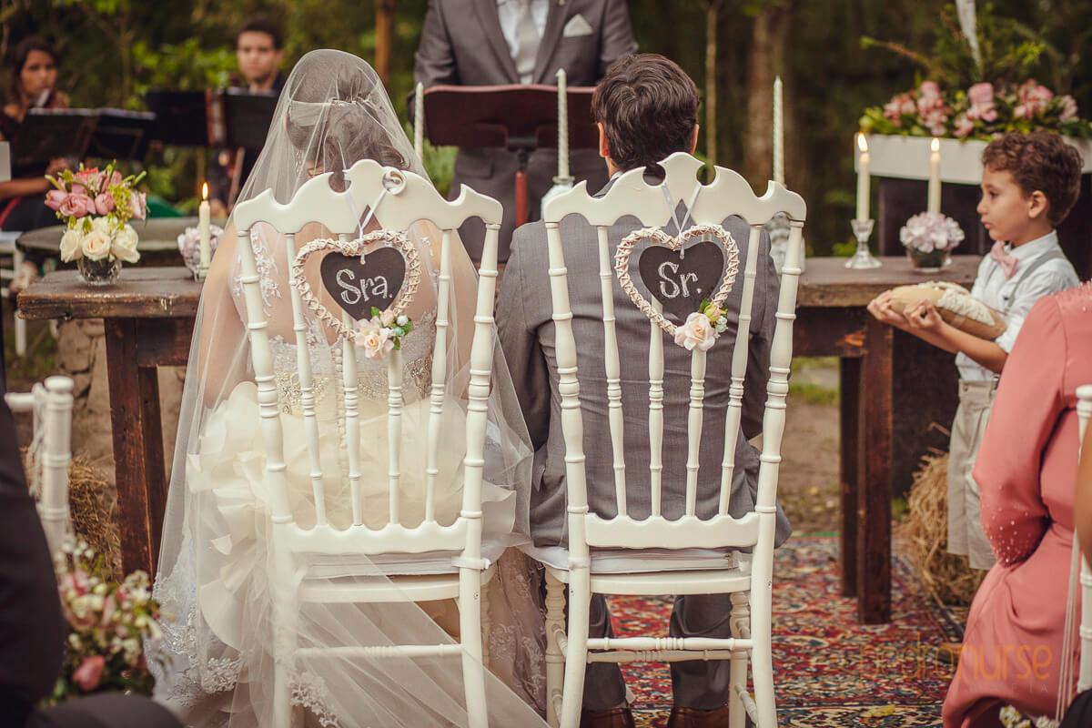 fotos de sillas especiales para novio novia sr y sra