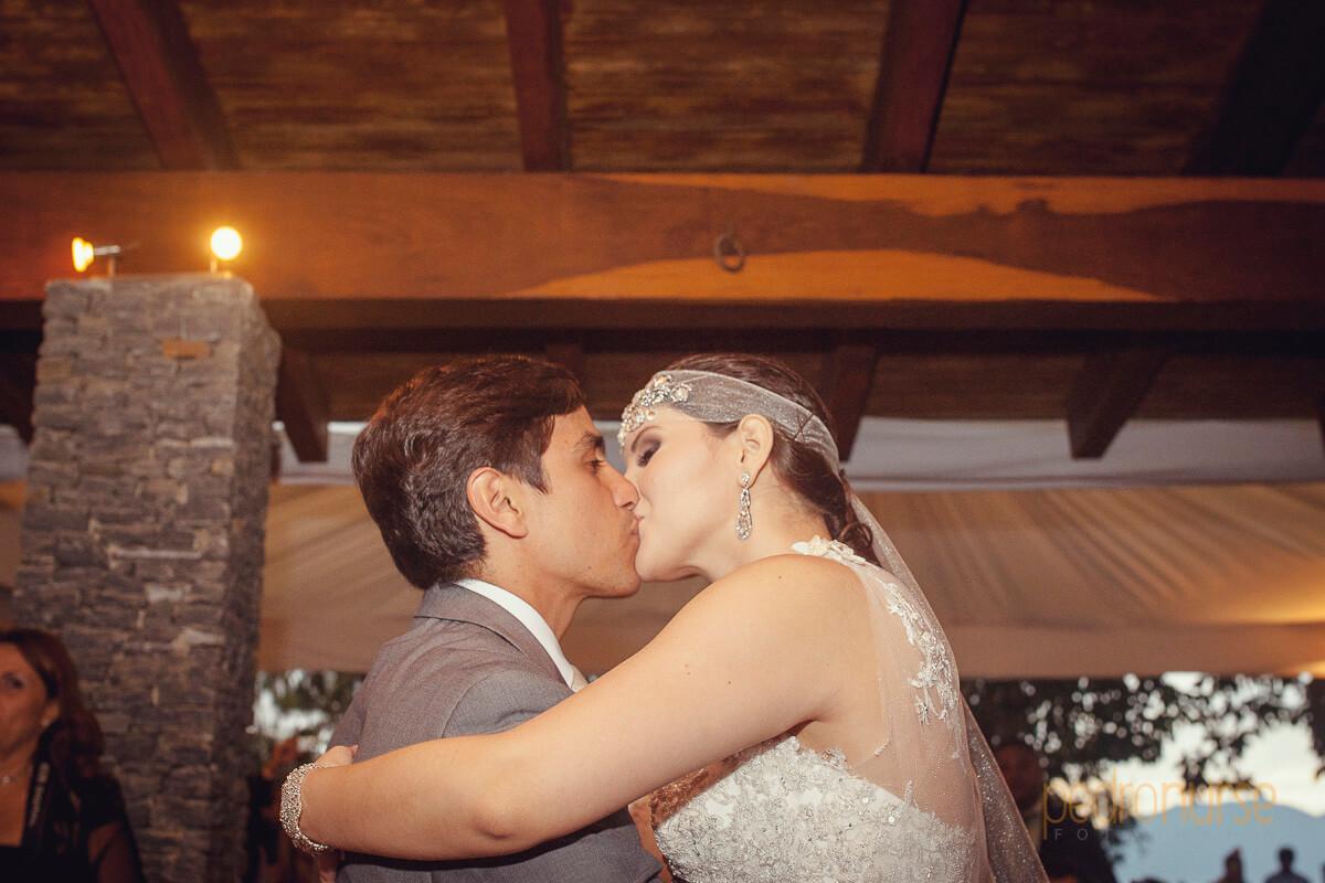 fotos de besos novios primer baila bodas en caracas