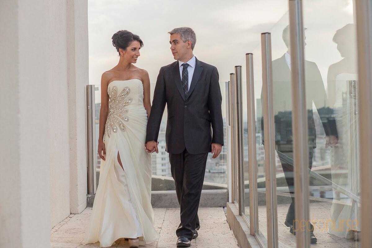 fotos de sesion de fotos novio novia terraza hotel pestana caracas