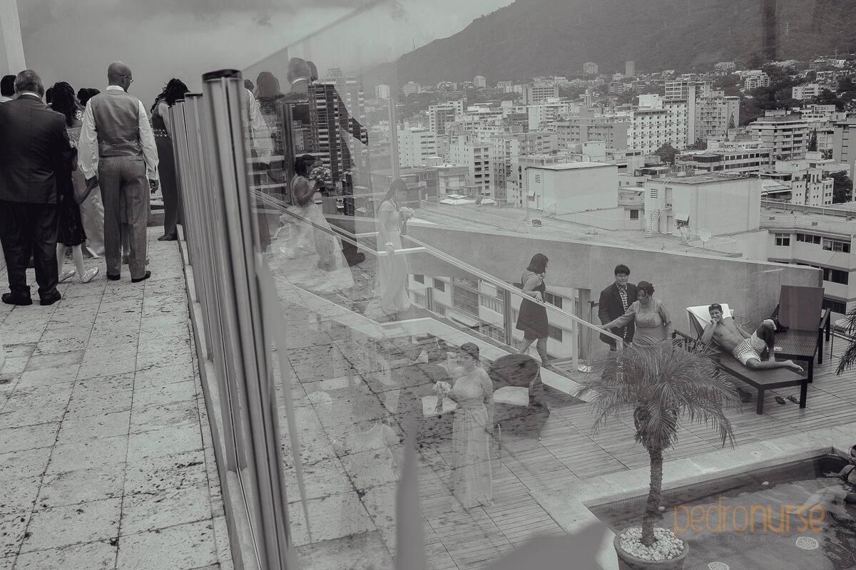 fotografia de sesion de fotos novia con cortejo hotel pestana caracas venezuela