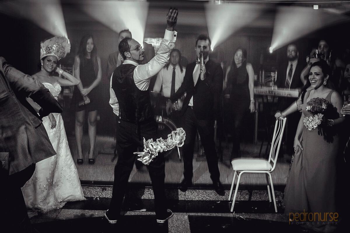 fotos de lanzamiento liguero a solteros boda banquetes gales caracas