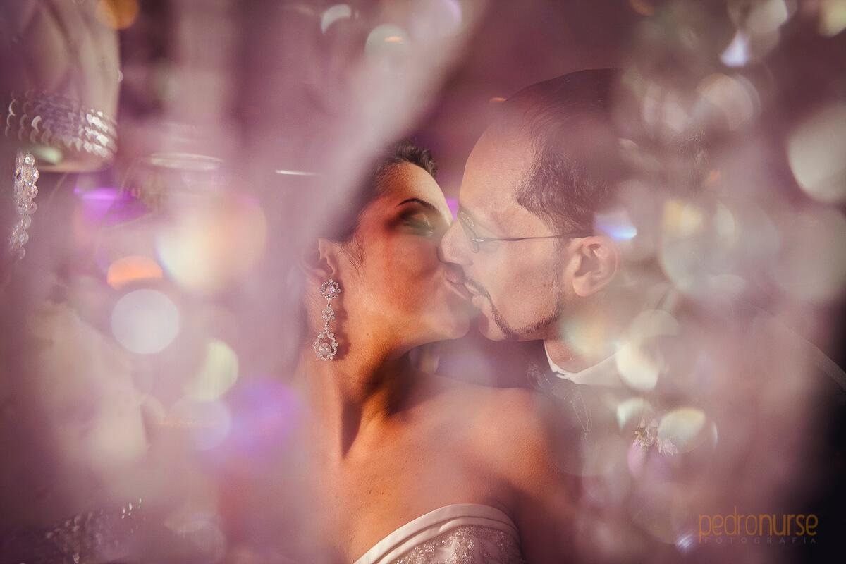 fotos de besos romanticos boda en caracas novios