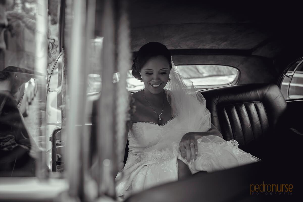 fotos de novia camino a iglesia santa ana la lagunita