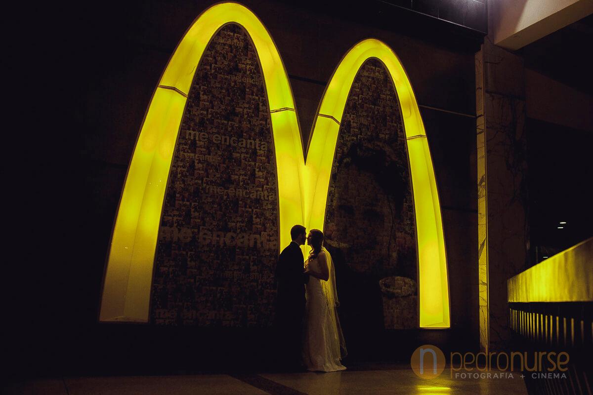 Fotos de Bodas en McDonalds CCCT Caracas Venezuela