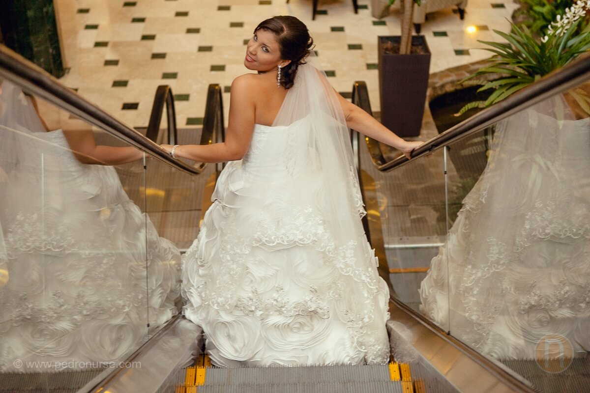 fotos de sesion de novia en hotel embassy suites boda en valencia