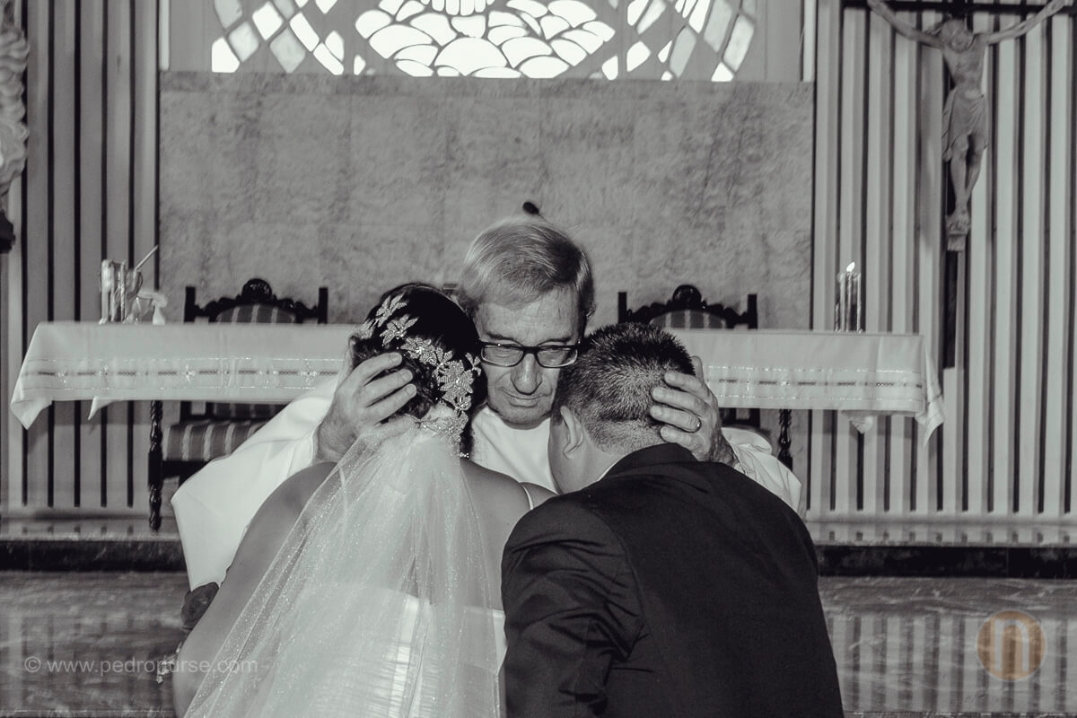fotografia de fotografo de bodas en barquisimeto en iglesia la consolacion santa elena