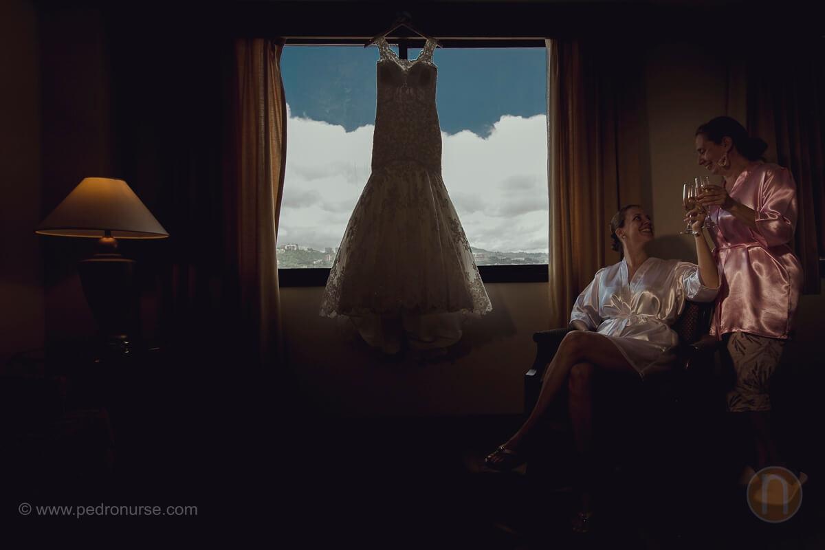fotos de vestido de novia brindis novia y mama boda en caracas