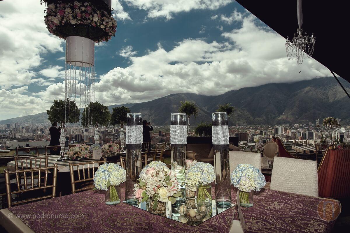 fotos de centro de mesa en boda quinta quinta vista hermosa san roman caracas