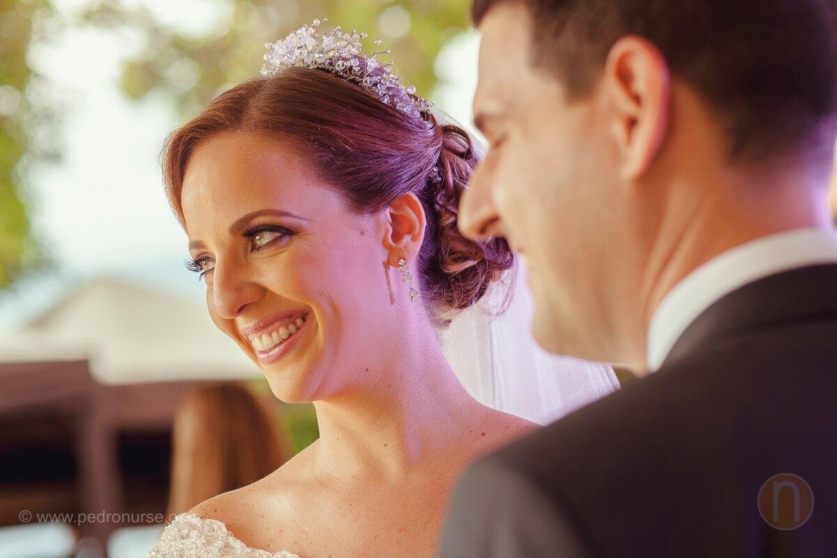 fotos de pareja novios en ceremonia religiosa en quinta vista hermosa caracas