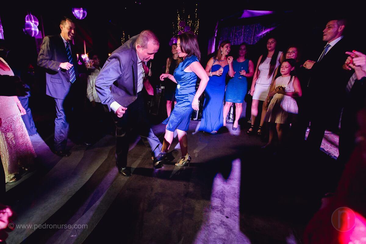 fotos de invitados bailando en boda en quinta vista hermosa caracas venezuela