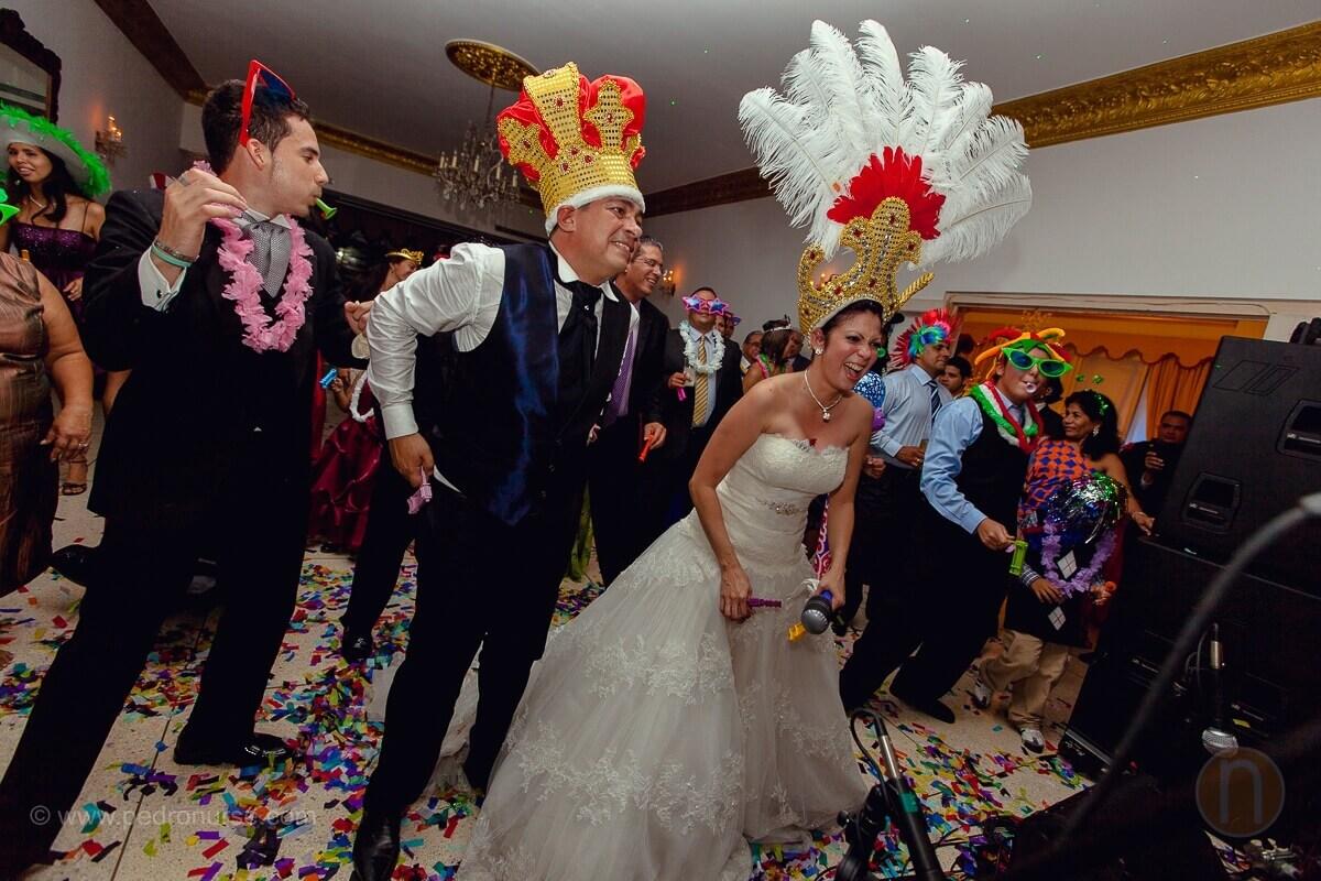 fotos de sombreros de novia novio en boda quinta versalles caracas