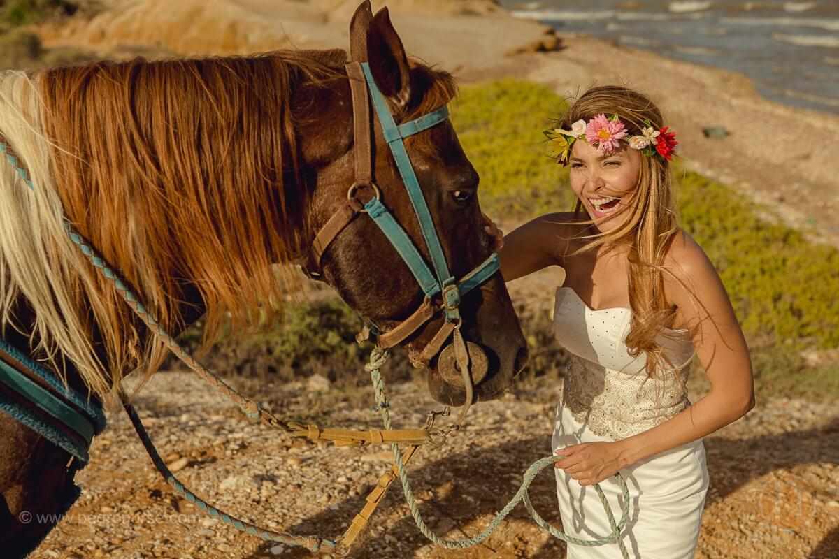 post boda en isla de margarita novia en la playa con caballo