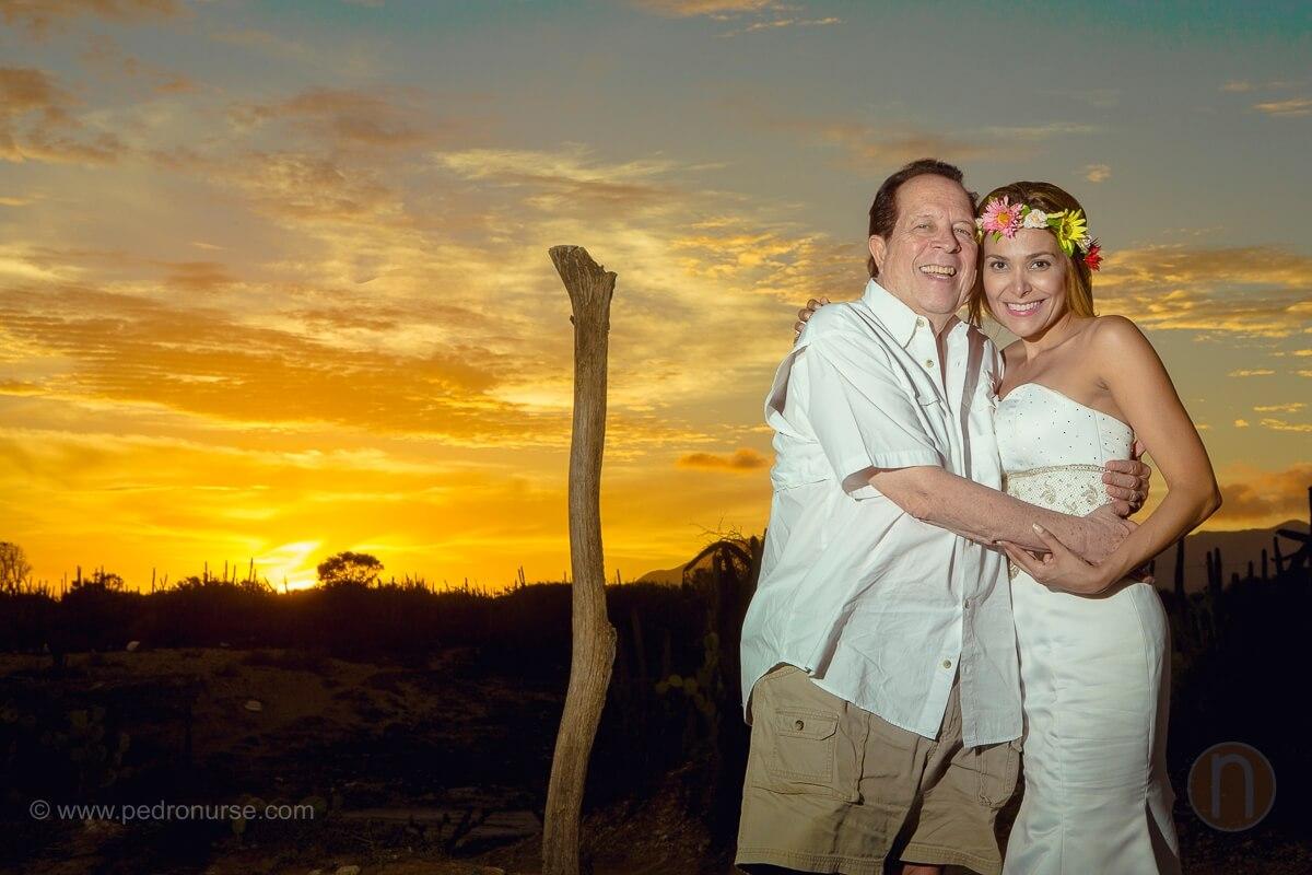 fotos de novios atardecer en post boda isla de margarita