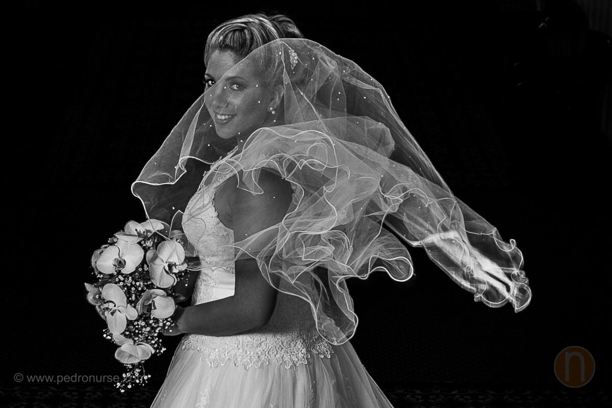 fotos de sesion original novia con velo volando
