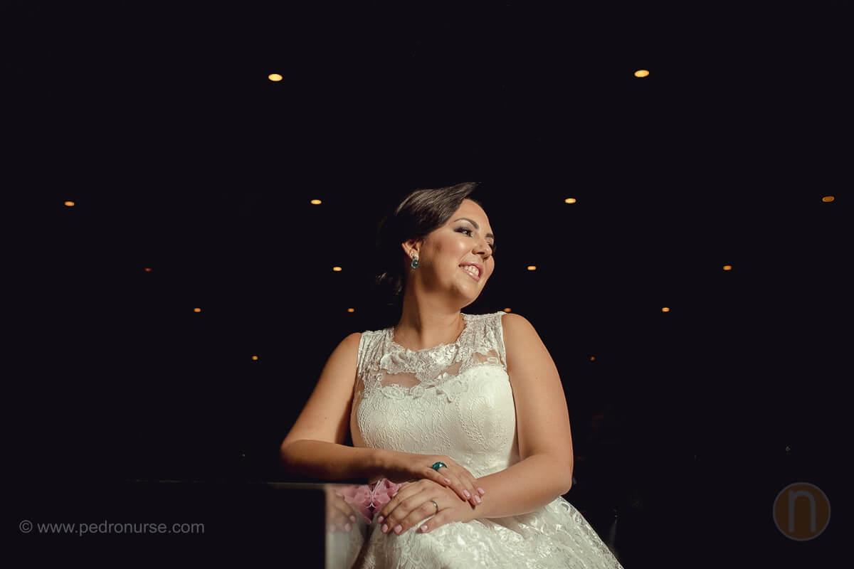 fotos de novia esperando relajada para boda en caracas venezuela