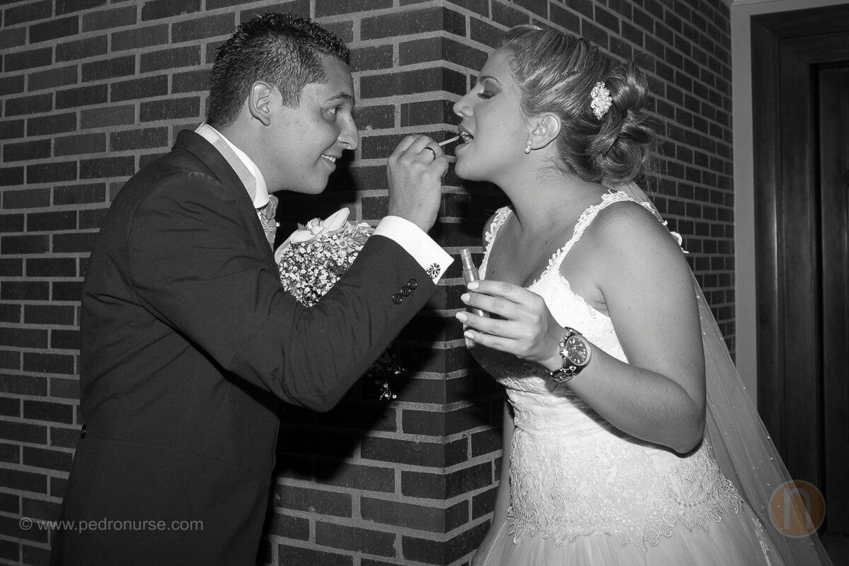 fotos de novio maquillando novia en hotel marriott caracas