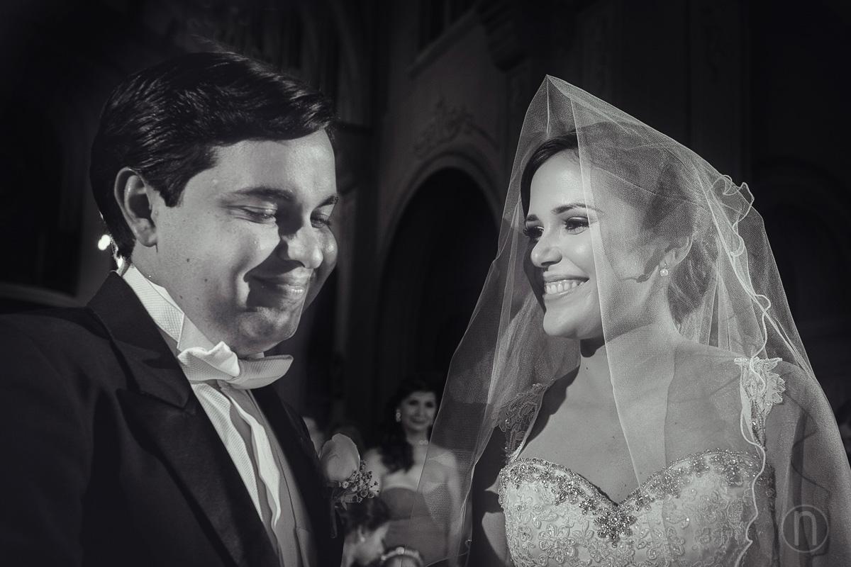 fotos de novios en boda en iglesia nuestra senora del carmen caracas