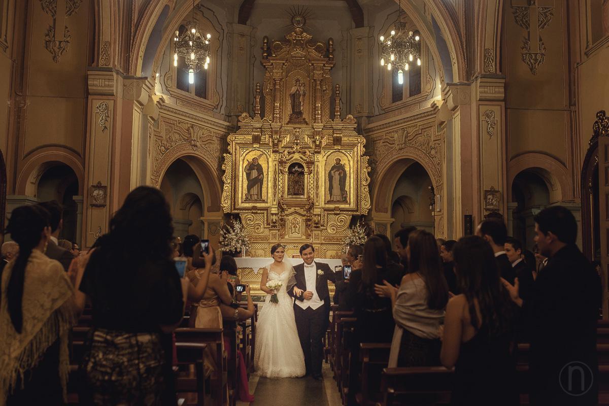 fotos de salida de john beaujon y mariam finol en boda en iglesia nuestra senora del carmen caracas