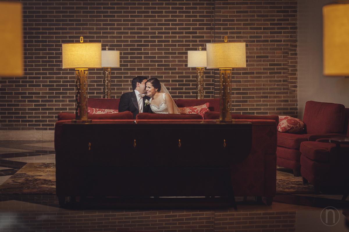 fotografo de fotos originales de bodas novios en boda en jw marriott caracas