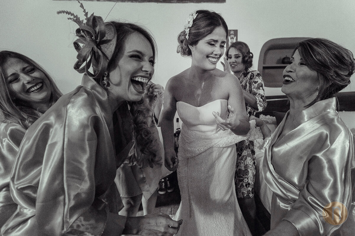 Fotografo Documental de Bodas en Barquisimeto Jessica con Vestido Jesus Peiro