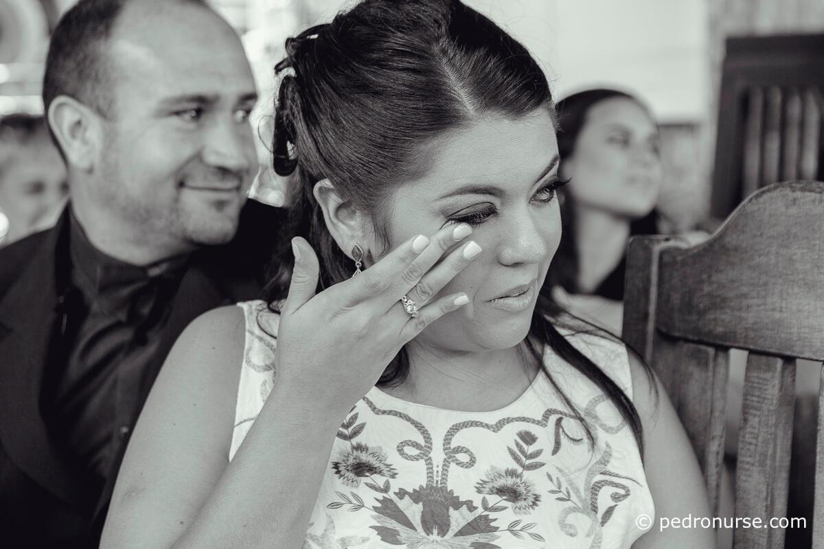 Fotos de Novia emocionada llorando en Boda