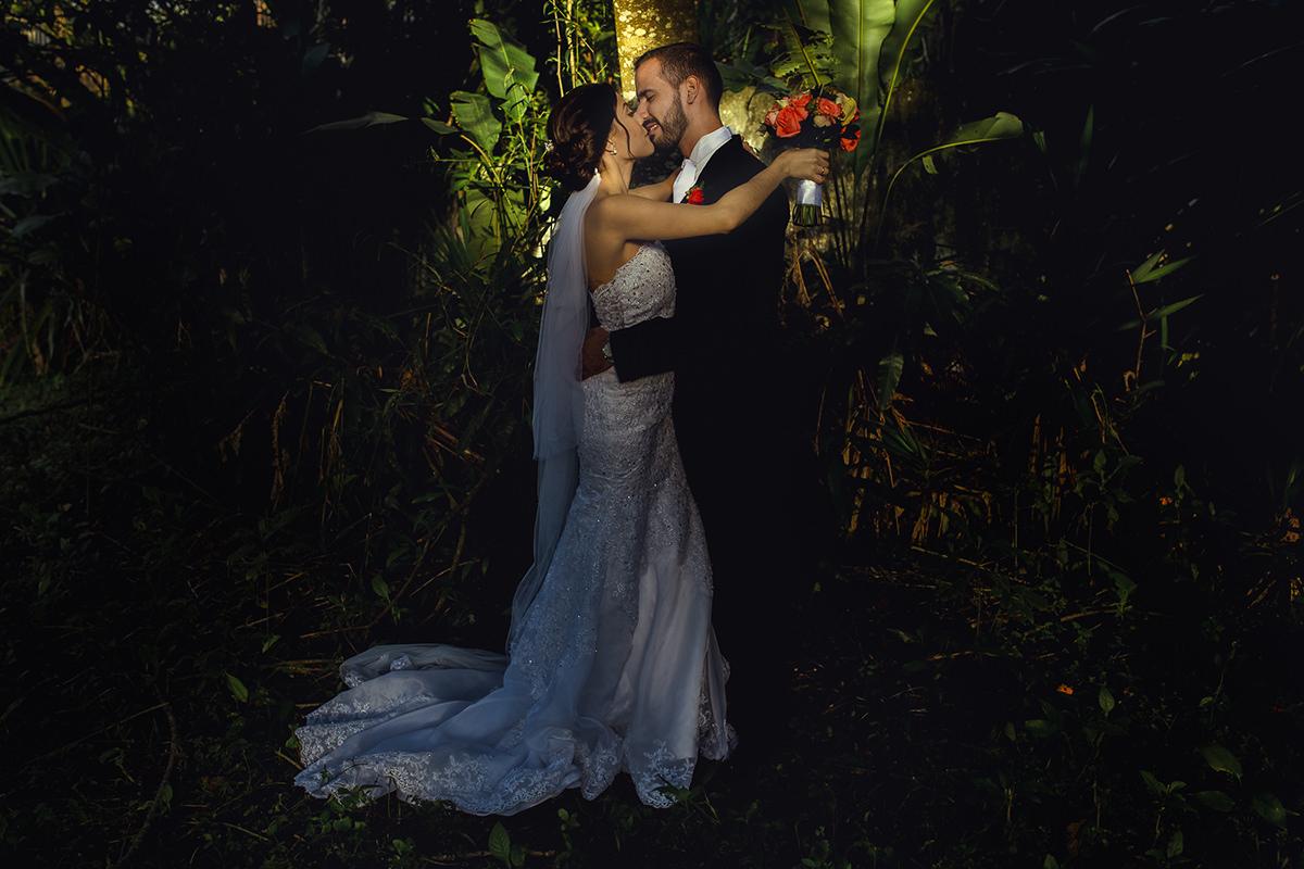 Novia y Novio, Bride and Groom, Sesion de fotos de novios, sesion de fotos de pareja, retratos Novios, retratos de pareja, novios felices, esposos, fotos a recién casados, matrimonio feliz, fotos originales de bodas, foto artística de boda, fotografo en caracas, fotógrafos venezolanos, Bodas en Caracas, bodas en Venezuela, Fotografo Venezolano, fotógrafo de bodas en caracas, pareja de novios hermosos, fotógrafo de bodas caracas, fotógrafo de bodas latinoamerica, imágenes con alma
